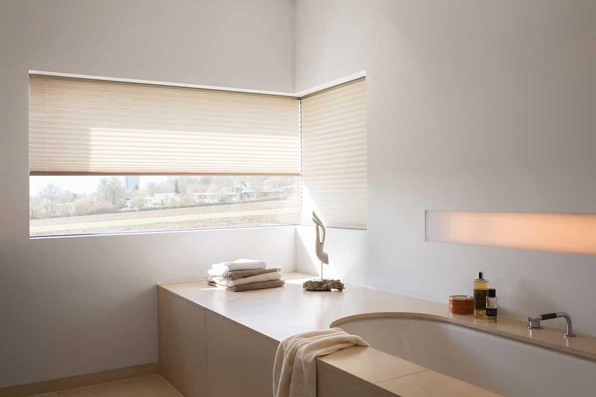 Store fenêtre salle de bain