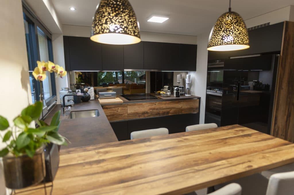 Table sur mesure assortie cuisine _ APF cuisine schmidt Etoy Nyon